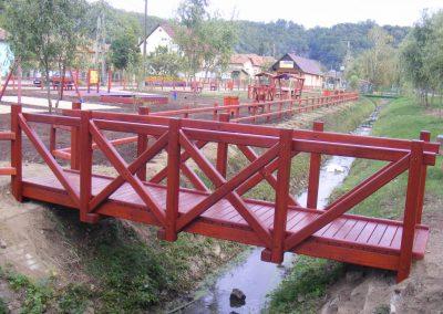 fenyő híd