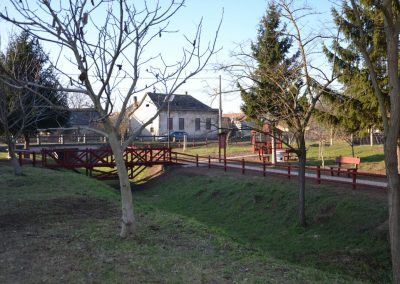 fenyő kerítés, fedett beülő, tölgy híd