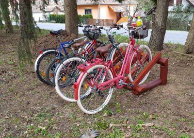 fenyő tároló, kerékpár tároló