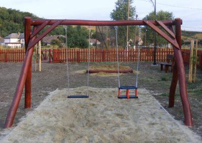 homok ütéscsillapítás, hinta két lapülővel