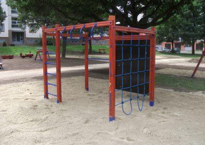 homok ütéscsillapítás, mászókombináció, fenyő játszótér