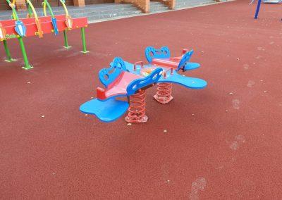 rugós játék, mozgás korlátozott gyerekek részére, játszótér